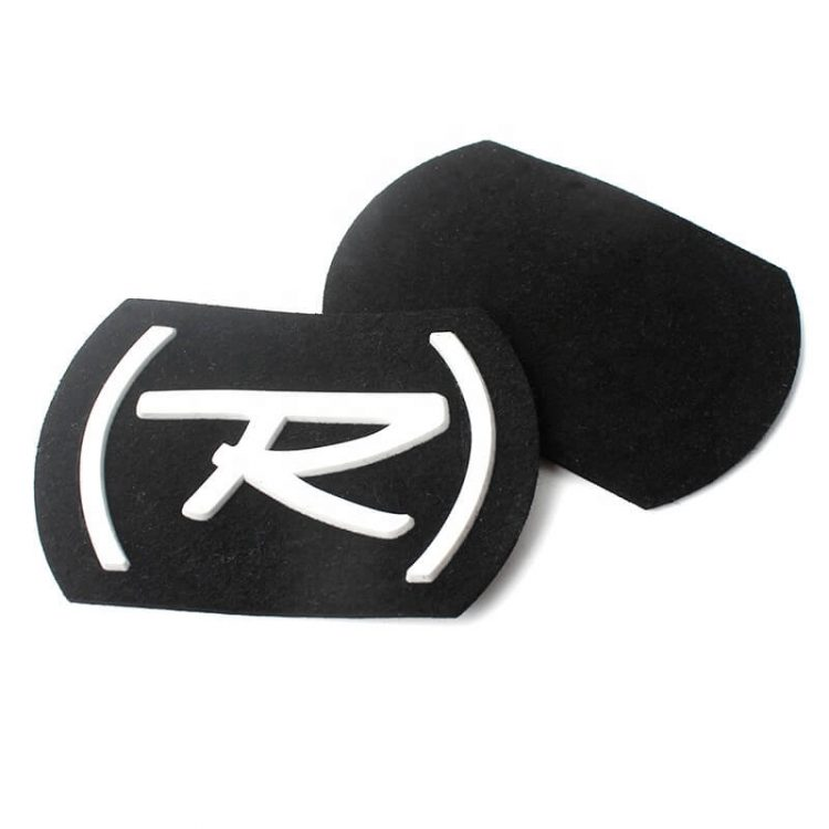Cheap Custom Injection Embossed Silicone Felt Cloth Patches Labels with 3D Letter Logo for Clothing
