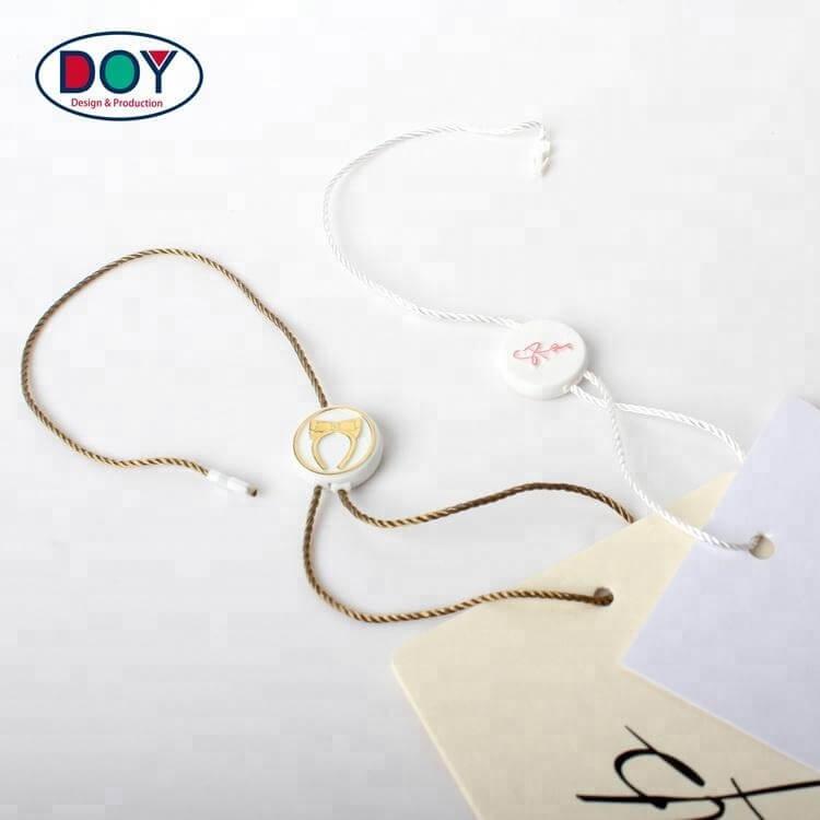 Plastic magnetic string