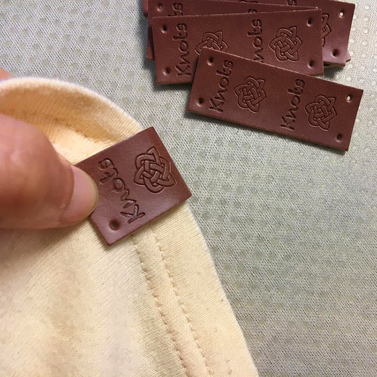 DOYLabel Manufacture Custom Logo Embossed Genuine Label Tags for Jeans